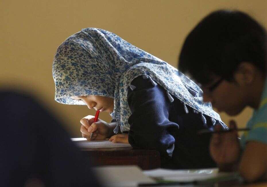 Cidade na Indonésia causa polêmica ao obrigar alunas a passarem por teste de virgindade
