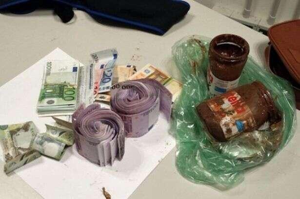 Contrabando dinheiro em Nutella