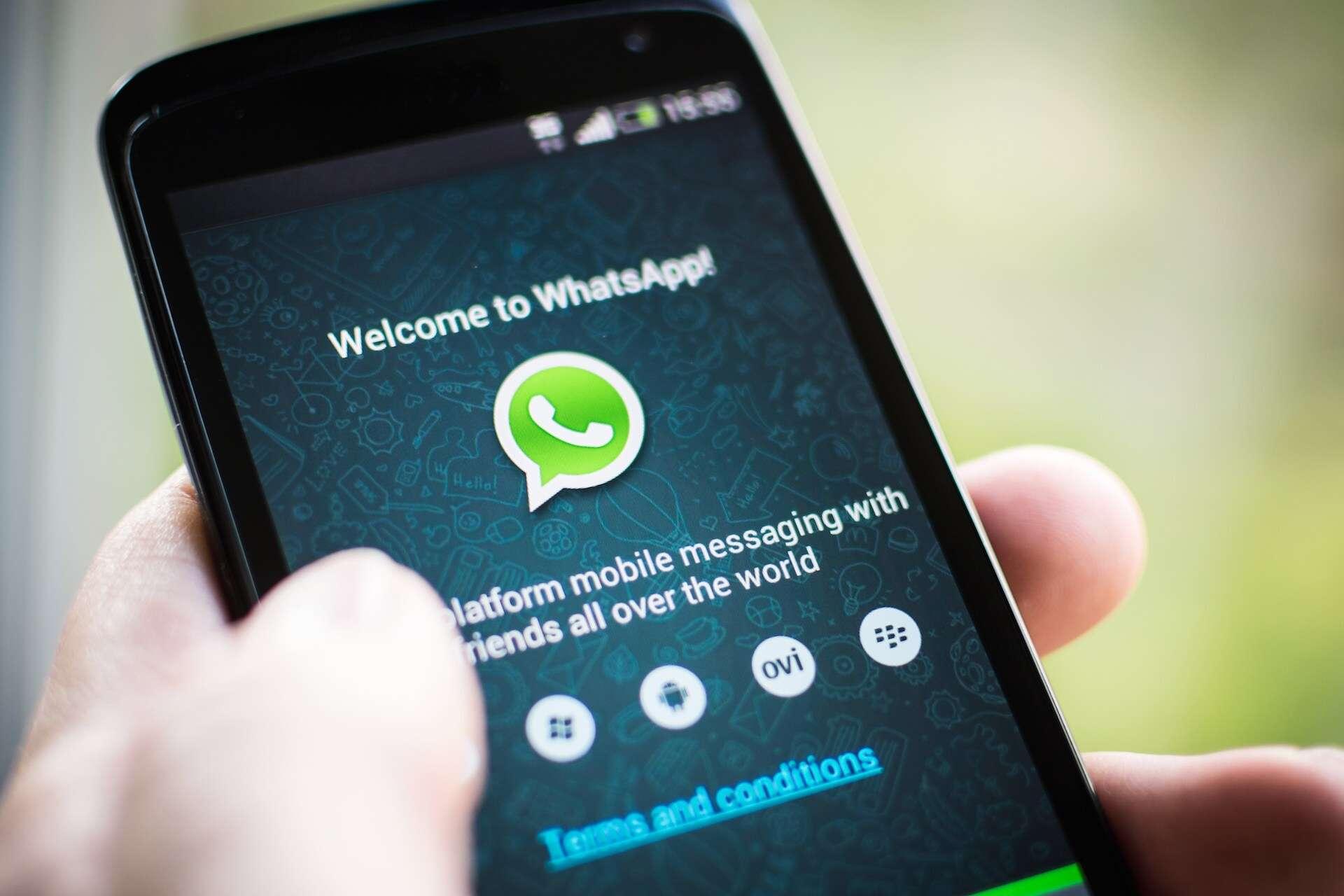 Uso exagerado do Whatsapp pode causar tendinite, afirma espcialistas