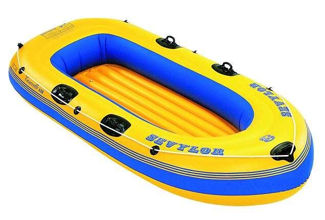 Bêbado é preso após confundir bote inflável com pessoa se afogando