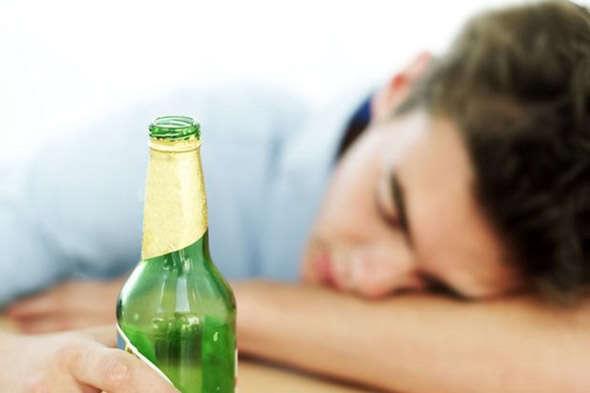 Bebida alcóolica que não causa ressaca é criada por cientistas
