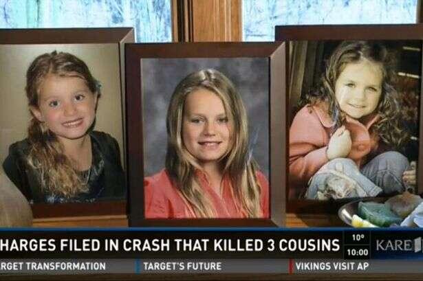 Mãe mata filhos e sobrinha após usar Facebook pelo celular enquanto digiria e sofrer acidente de carro