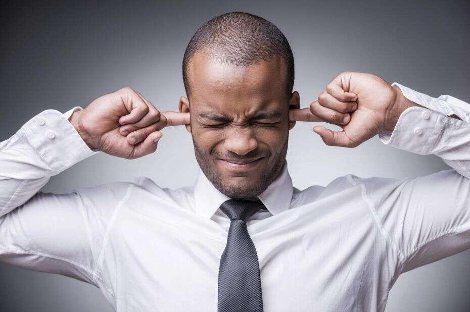 Se você se irrita quando um colega de trabalho mastiga uma maçã ou come um biscoito, então você pode ser um gênio