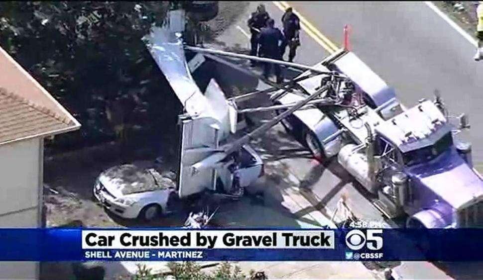 Mulher grávida morre após ser coberta por caminhão de cascalho