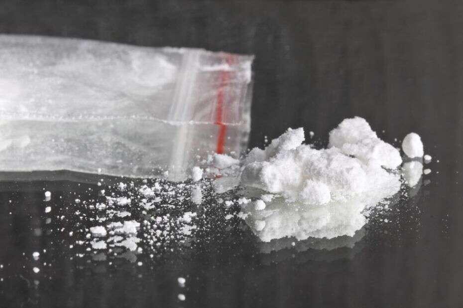 Adolescentes roubam cinzas de falecido acreditando que era cocaína