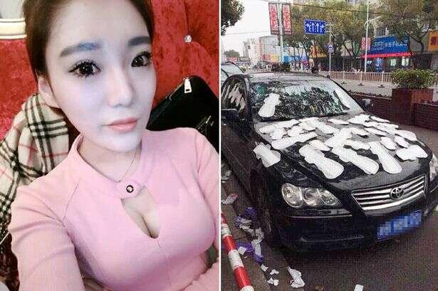 Mulher suspeita que namorado está a traindo e cobre seu carro de absorvente feminino