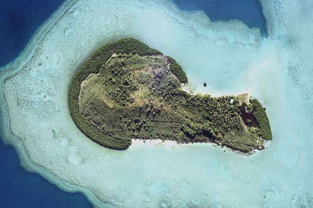 Ilha com formato de pênis procura compradores para lotes