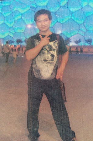 Funcionário chinês morre por excesso de trabalho em fábrica que produz iPhone