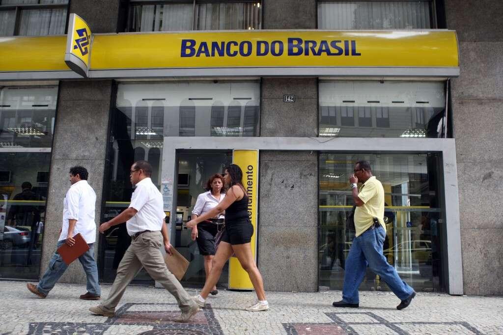 Cliente receberá R$ 5 mil de indenização após ficar horas esperando para ser atendido em agência bancária