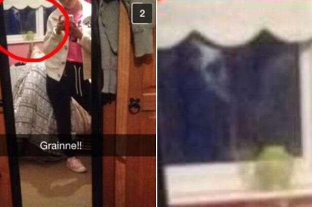 Imagem assustadora mostra fantasma olhando para garota em janela