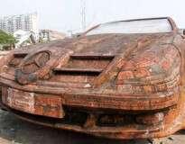 Réplica da Mercedes Benz feita de tijolos se torna sensação na China