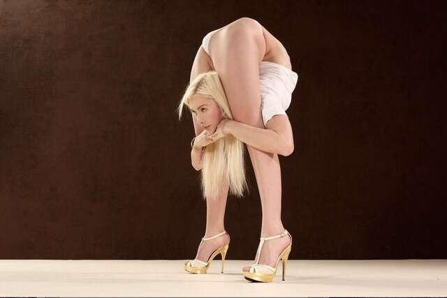 Conheça uma das contorcionistas mais flexíveis do mundo