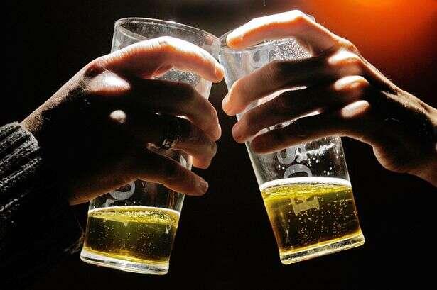 3 litros cervejas por dia são suficientes para causar câncer, garante cientistas
