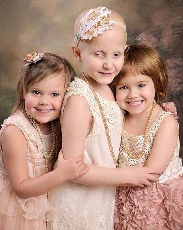Meninas repetem foto e  mostram como vencer o câncer
