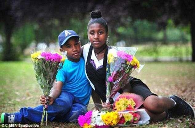 Pai assassina mulher na frente dos 5 filhos usando taco de hóquei
