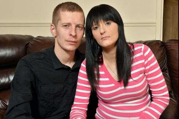 """Mulher grávida é forçada a deixar a Escócia após governo local afirmar que ela é """"burra demais"""""""