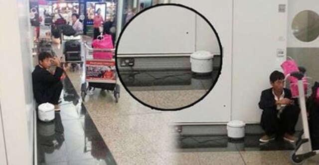 Sem dinheiro, homem compra passagem de volta para casa após ser demitido e é obrigado cozinhar arroz dentro de aeroporto