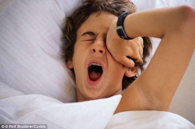Perder uma hora de sono por noite pode fazer você engordar, diz estudo