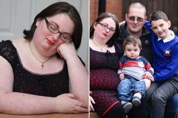 Mulher quebra nariz do marido enquanto cochilava após sonhar que estava dormindo com estranho