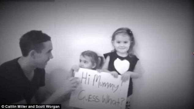 Homem faz pedido de casamento para mulher amada usando duas filhas do casal e vídeo se torna viral na web