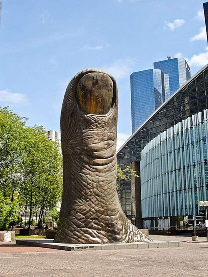 As mais curiosas e criativas estátuas em todo o mundo