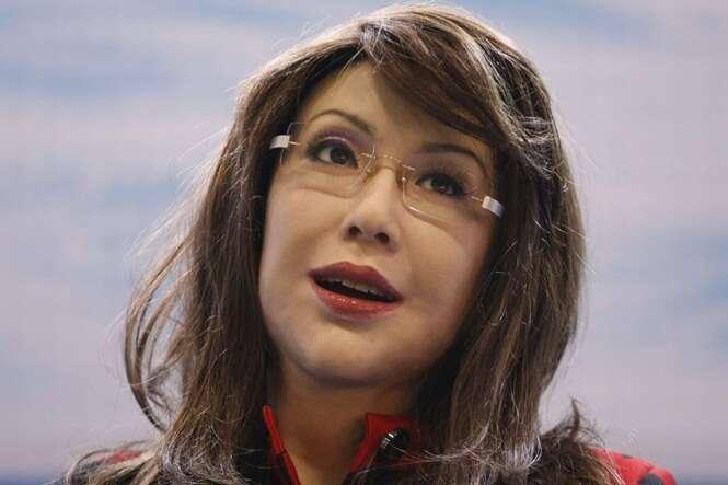 Robô chinês impressiona por sua aparência humana