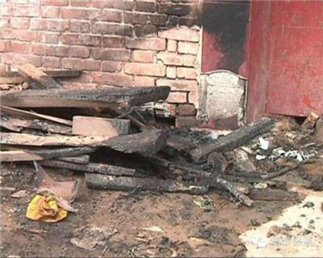 Adolescente viciado em jogos queima sua própria casa
