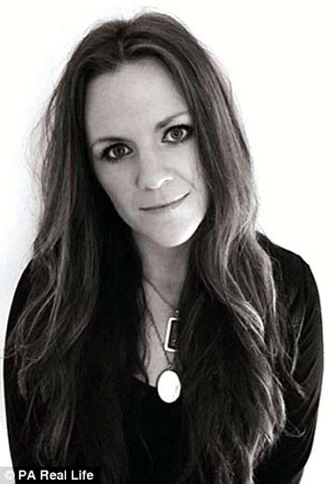 investigadora paranormal Jayne Harris, da Inglaterra