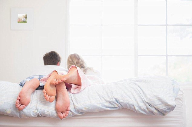 Marido pede separação depois que esposa escondeu deformidade nos seios