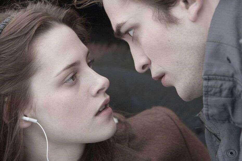 De acordo com assessor do Vaticano, filmes da saga Crepúsculo estão transformando jovens em vampiros reais
