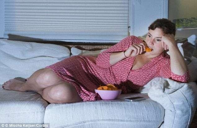 Estudo afirma que jantar ou lanchar tarde aumenta os riscos de desenvolver câncer de mama