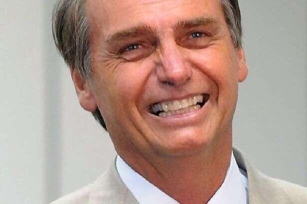 Bolsonaro quer separar sangue de homossexuais dos demais doadores, diz site inglês