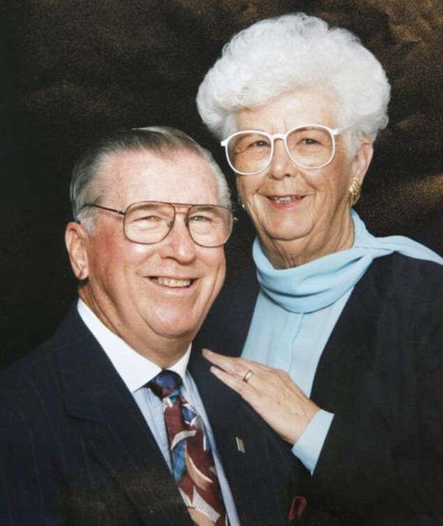 Namorados de infância casados há 73 anos morrem com dois minutos de intervalo um do outro