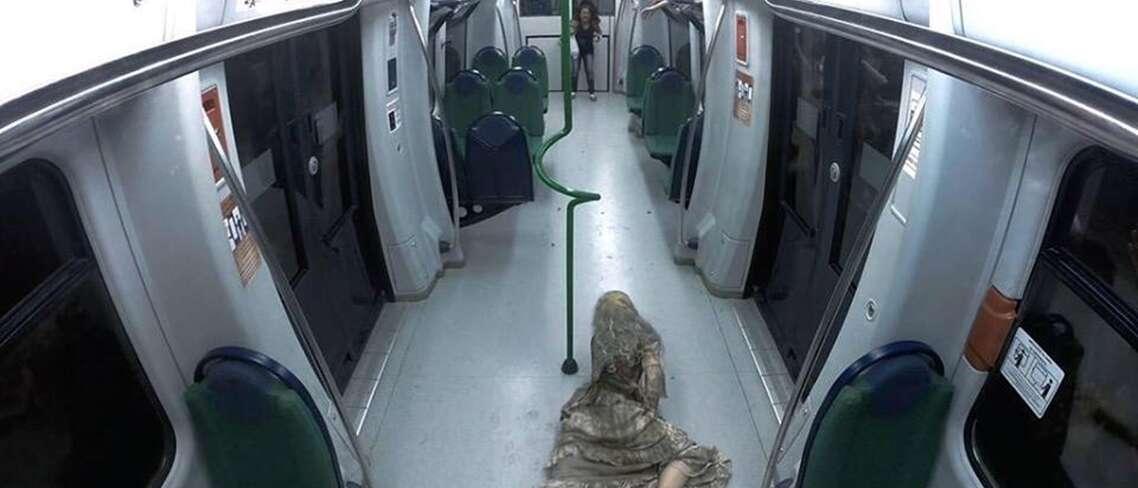 Pegadinha de zumbis causando terror em passageiros de metrô se torna viral