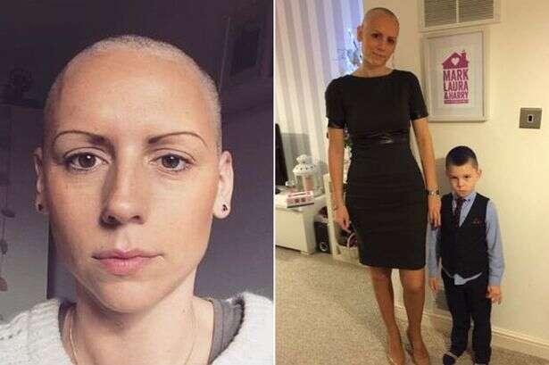 Mulher descobre por postagem no facebook que tem câncer no ovário