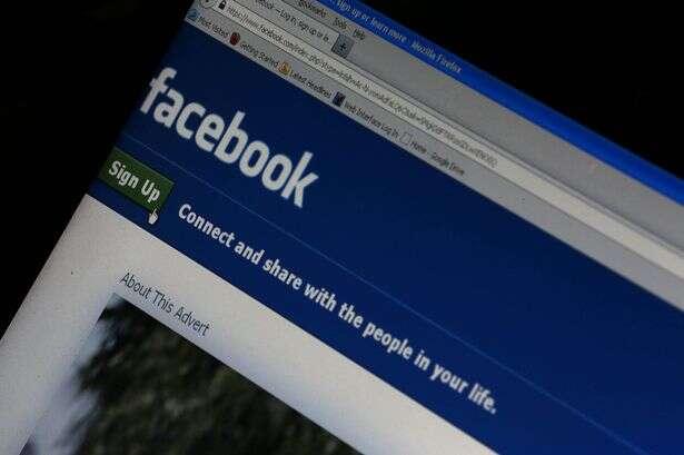 De acordo com pesquisa, pessoas que atualizam status do Facebook frequentemente têm baixa autoestima