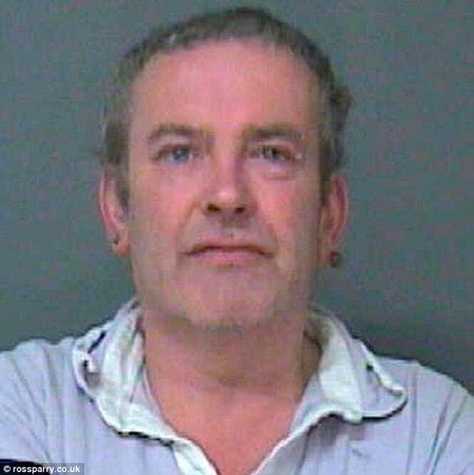 Homem é preso por 5 anos após esfaquear rapaz que tocava sua campainha