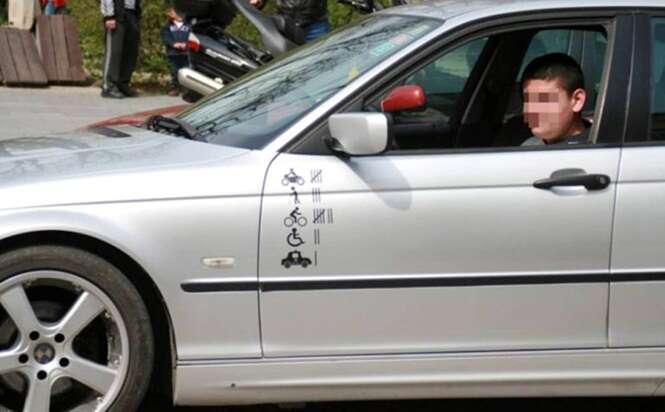 Motorista exibi adesivos em seu carro que remetem a número de pessoas que ele atropelou