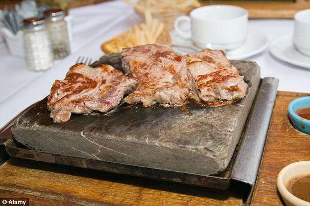 Restaurante nigeriano é fechado após polícia invadir local e descobrir que estabelecimento servia carne humana
