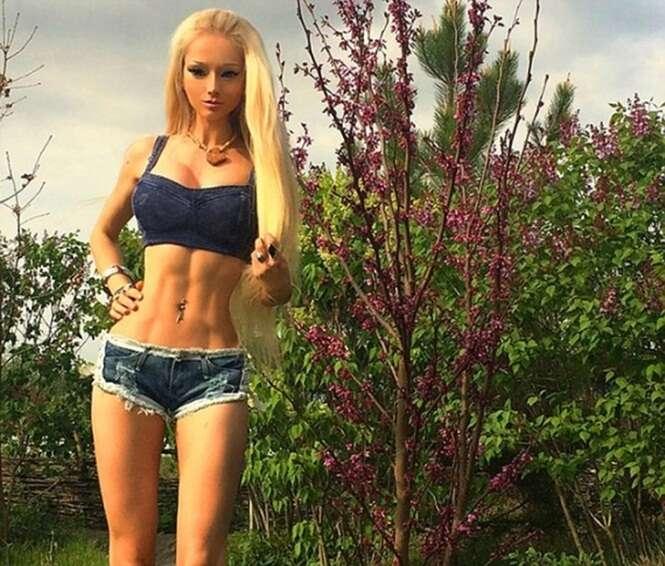 Barbie humana admite ter usado Photoshop em suas fotos