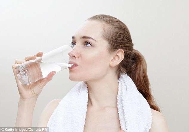 Água que bebemos contém urina de dinossauros, afirma estudiosos.