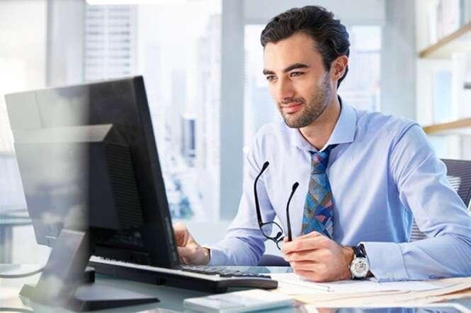 Funcionário é demitido após passar horas do turno de trabalho assistindo vídeo com conteúdo voltado ao público adulto