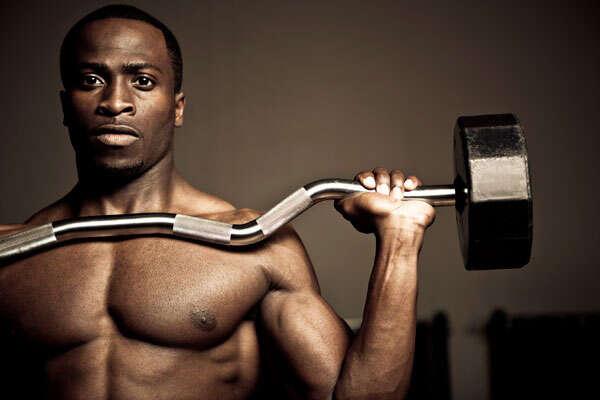 Estudo afirma que mulheres são mais felizes quando maridos praticam atividade física