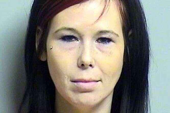 Mulher invade funeral e arranca seios de cadáver ex-amante de seu marido