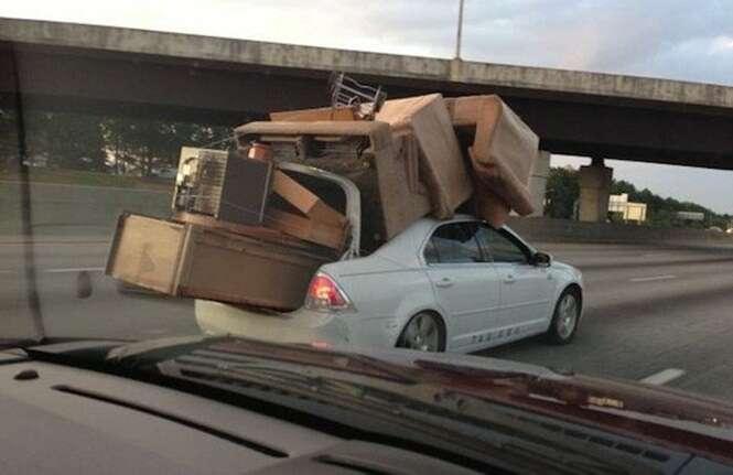 """Pessoas que """"sabem"""" como transportar suas coisas"""
