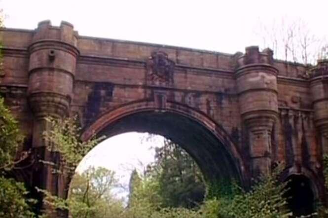 600 cães saltam misteriosamente de ponte assombrada na Escócia