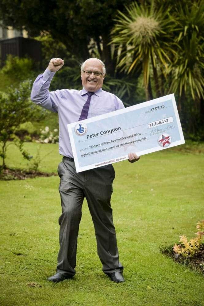 Idoso viúvo pensa ter ganhado 120 reais na loteria e leva susto ao receber mais de R$ 65 milhões