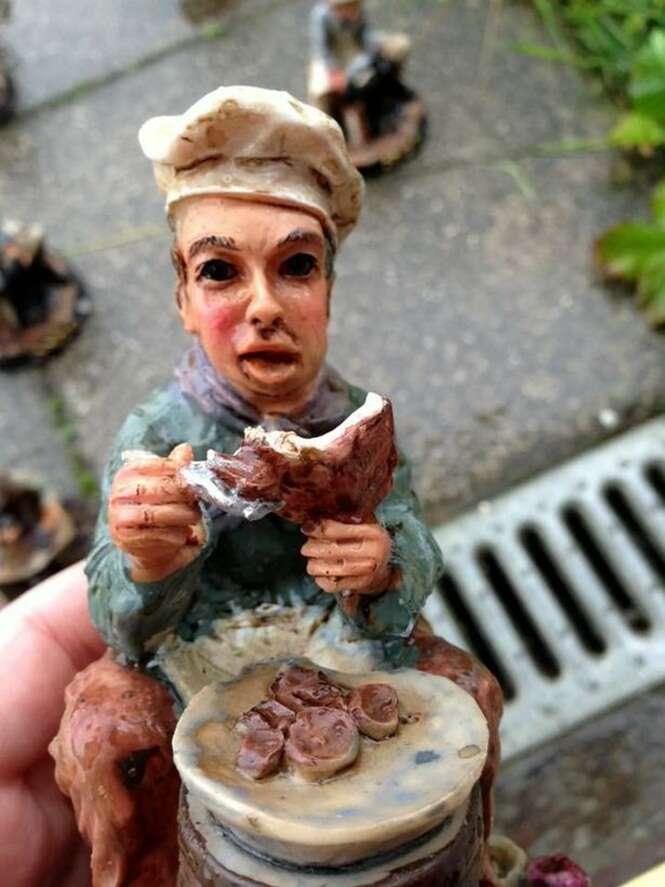 Mulher acorda e encontra centenas de gnomos no jardim de sua casa