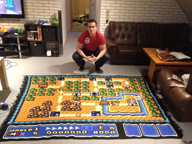 Norueguês cria tapete de crochê de reproduz jogo do Mario Bros