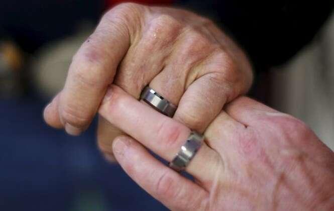 De acordo com estudo, homens sustentados pelas esposas são mais propensos a trair